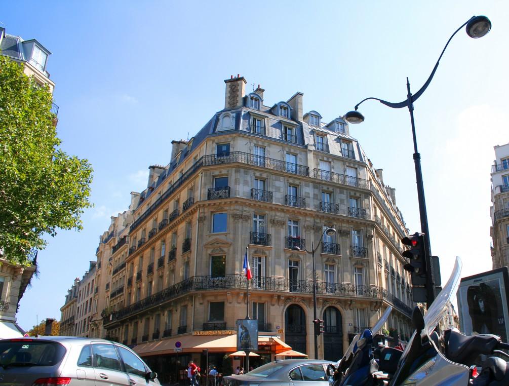 Жить в Париже бесплатно?! Легко