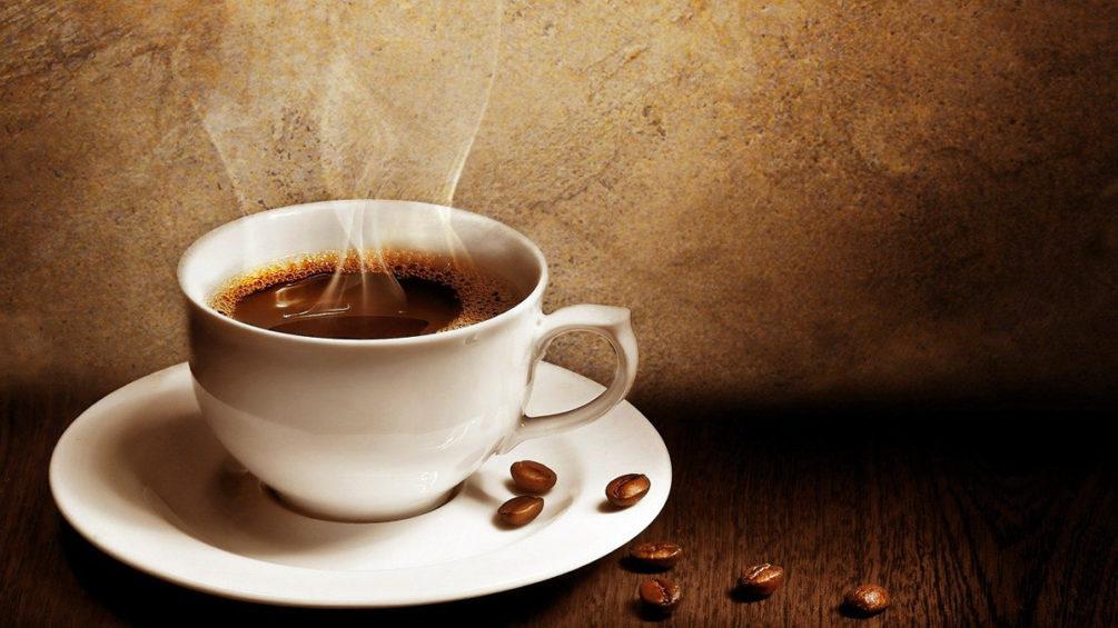 Почему нужно подумать дважды, прежде чем заказывать кофе или чай в самолете.